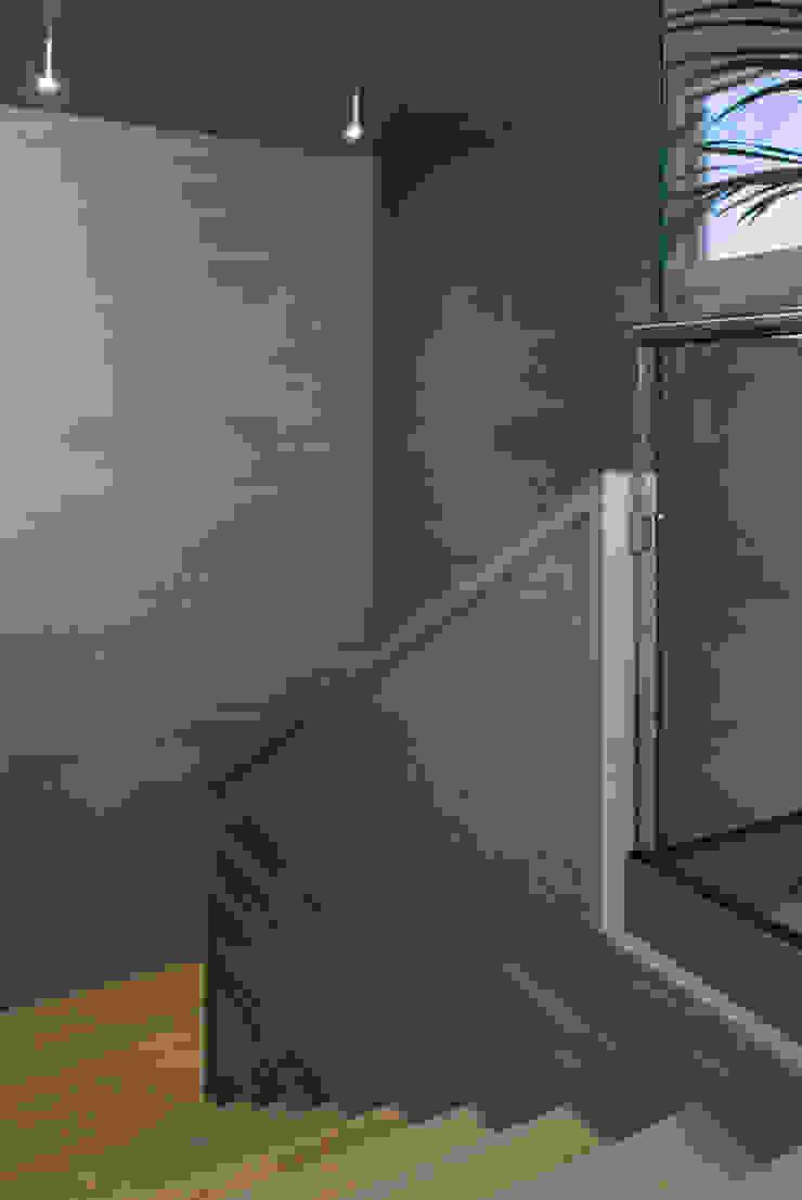 Margherita Mattiussi architetto 現代風玄關、走廊與階梯 木頭 Wood effect