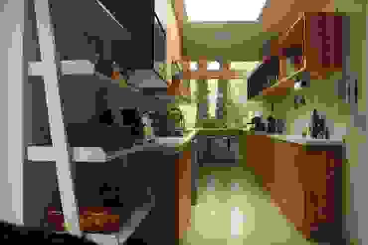 モダンな キッチン の PARQ Arquitectura モダン