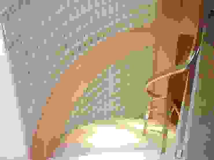 Pasillos, vestíbulos y escaleras clásicas de homify Clásico