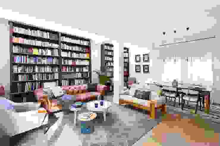 Una Casa de Libro Livings modernos: Ideas, imágenes y decoración de Egue y Seta Moderno