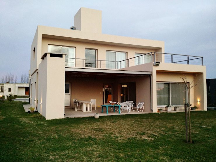 Puerto Roldán - Lote 101: Casas de estilo  por Erb Santiago,Moderno