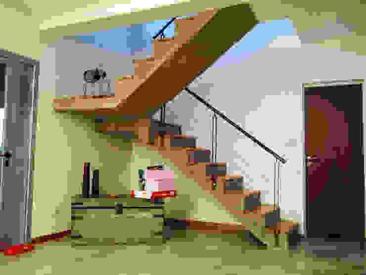 Puerto Roldán - Lote 101 Pasillos, vestíbulos y escaleras modernos de Erb Santiago Moderno