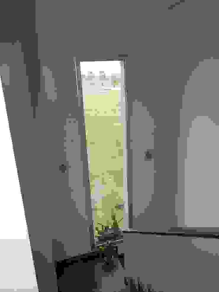 Erb Santiago Modern Corridor, Hallway and Staircase