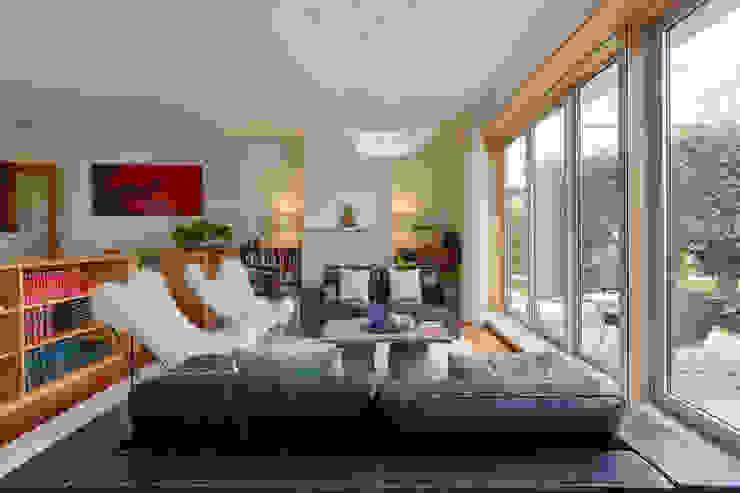 Salones eclécticos de ShiStudio Interior Design Ecléctico