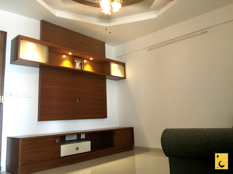 SPACE HI-STREAK, KULSHEKAR, MANGALORE: modern  by Indoor Concepts,Modern