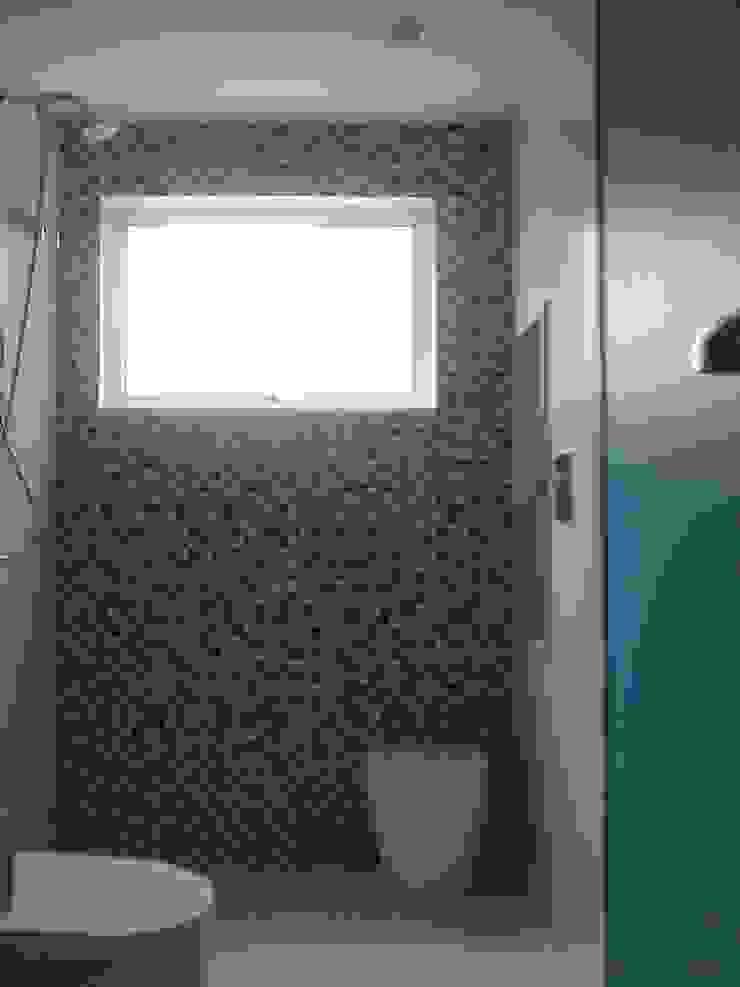 Baños modernos de Margareth Salles Moderno