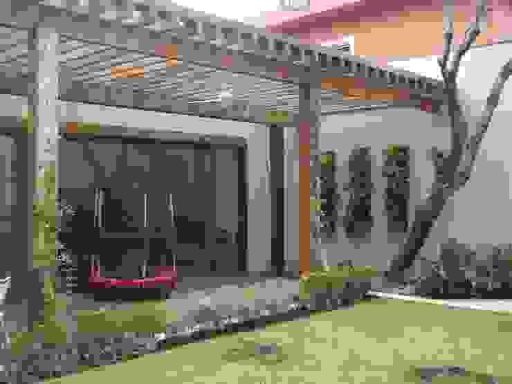 Renata Villar Paisagismo e Arranjos Florais Garden Fencing & walls