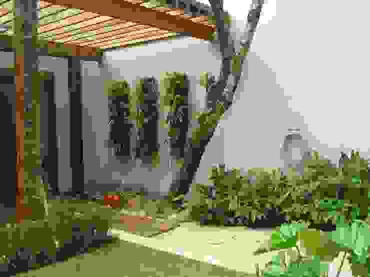de Renata Villar Paisagismo e Arranjos Florais Rústico Fibra natural Beige
