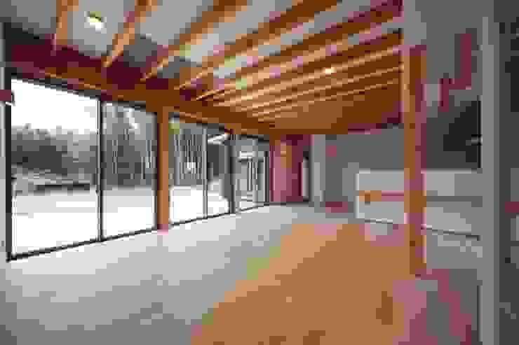 Ruang Keluarga Klasik Oleh 加門建築設計室 Klasik