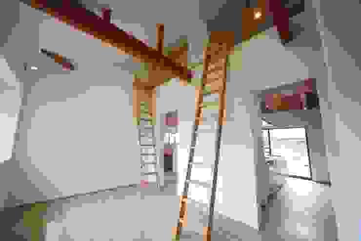 長配の家 北欧デザインの 子供部屋 の 加門建築設計室 北欧