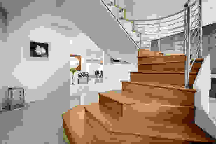 Staircase von Moda Interiors