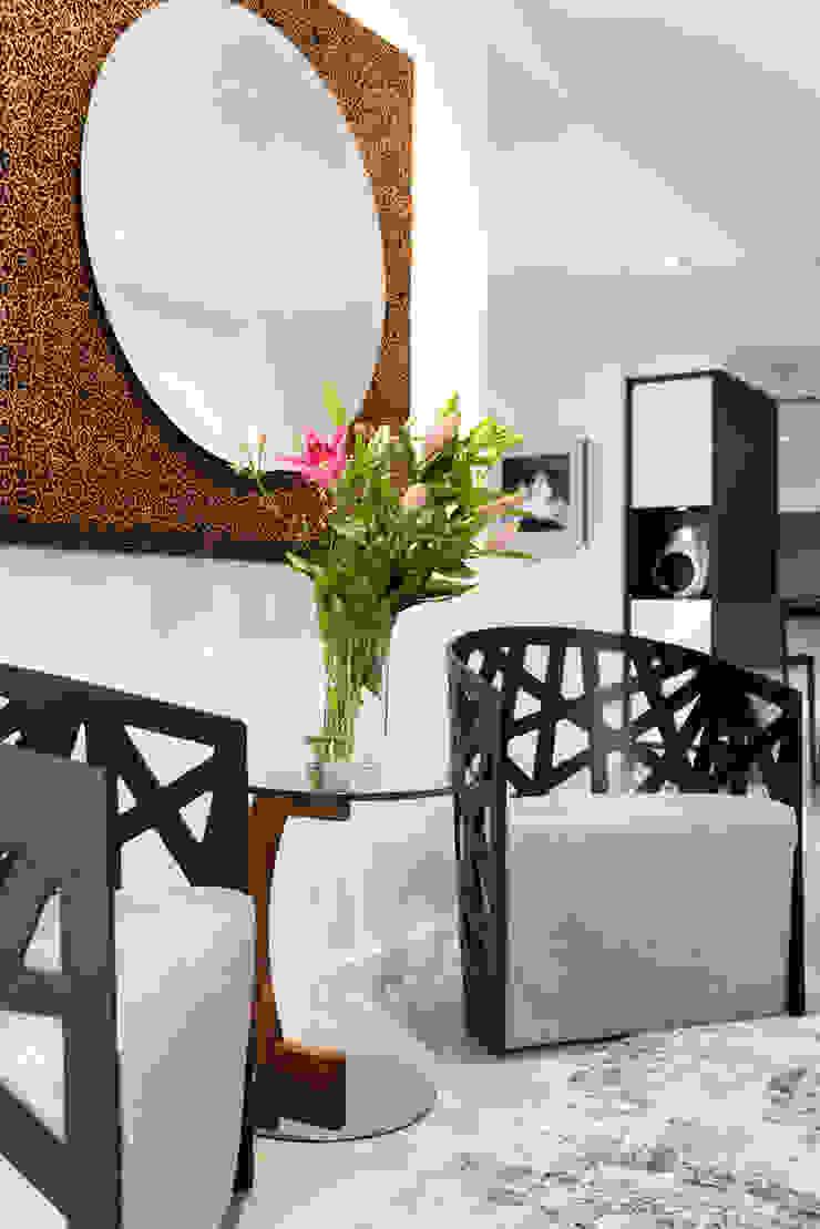 Entry to Kitchen/Dining/Living von Moda Interiors