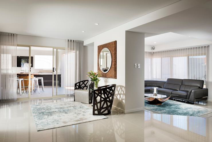 Entry to Kitchen/Dining/Living Rooms von Moda Interiors