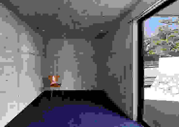 一級建築士事務所アトリエm Modern style bedroom Reinforced concrete Grey