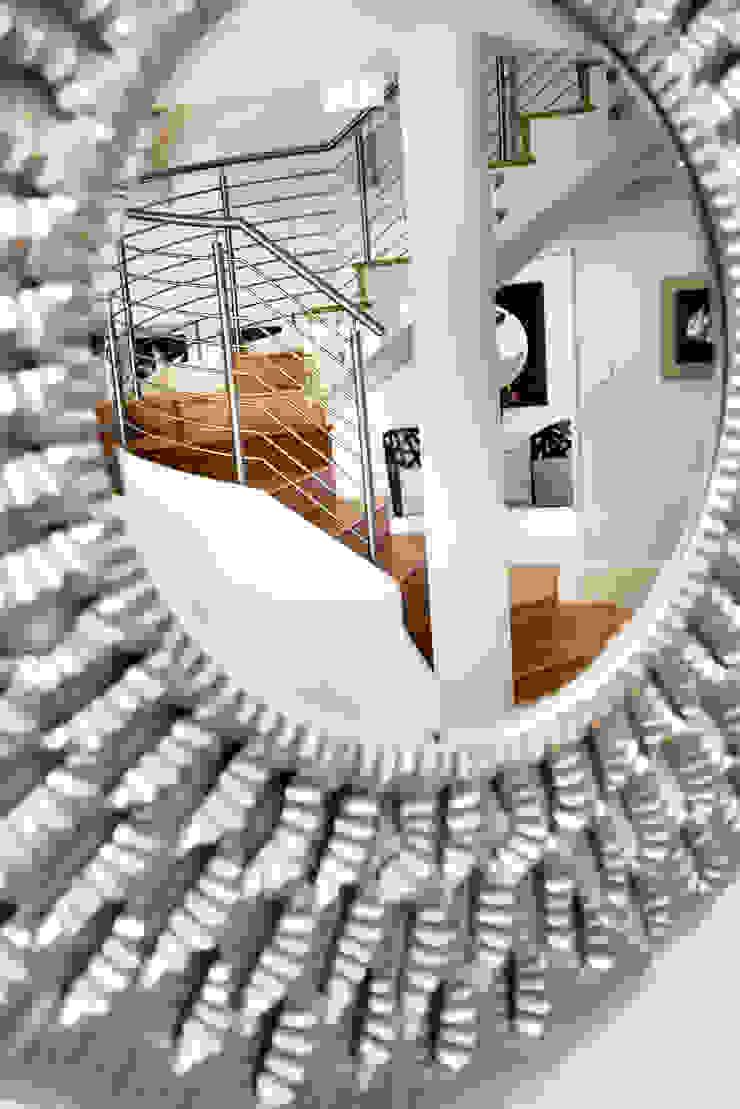 Entry von Moda Interiors