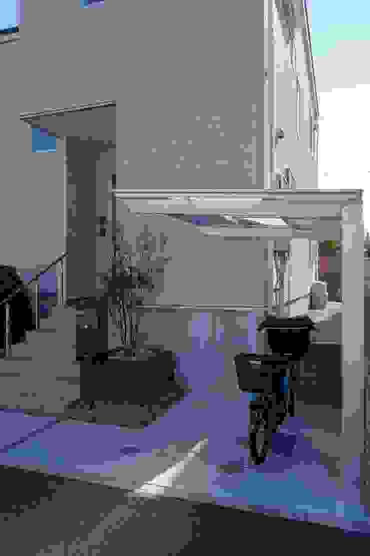 ガーデン「ウッド+芝庭」 埼玉県さいたま市 モダンな庭 の NOD GARDEN モダン