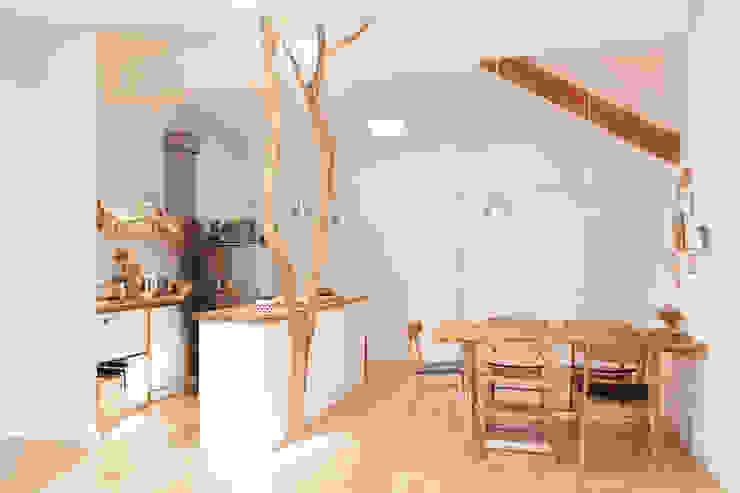 Baum in der Küche von Badabaum Skandinavisch