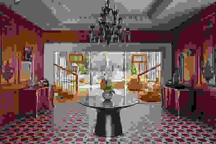 Особняк в Барвихе Коридор, прихожая и лестница в эклектичном стиле от Архитектурное бюро Бахарев и Партнеры Эклектичный