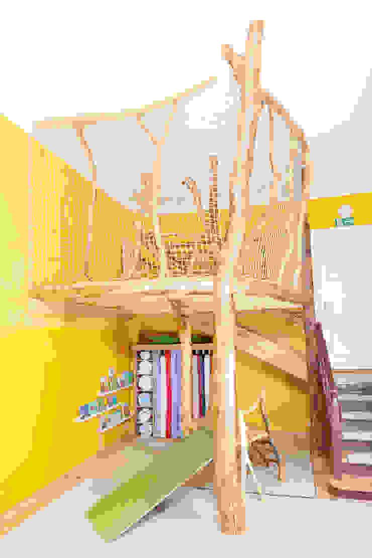 Hoch hinaus! Skandinavische Kinderzimmer von Badabaum Skandinavisch