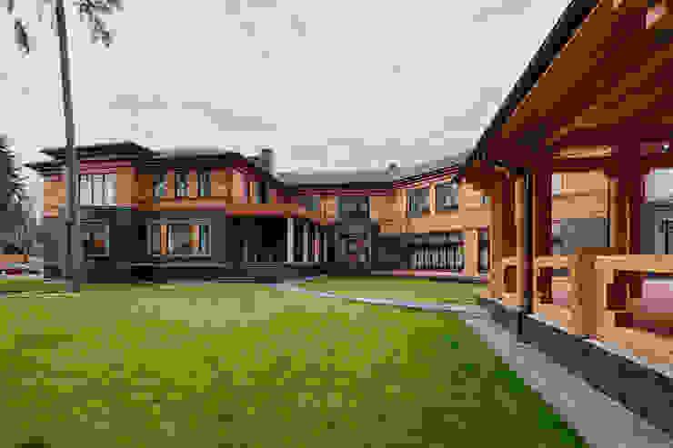 Загородный дом в посёлке Грибово: Дома в . Автор – Архитектурное бюро Бахарев и Партнеры,