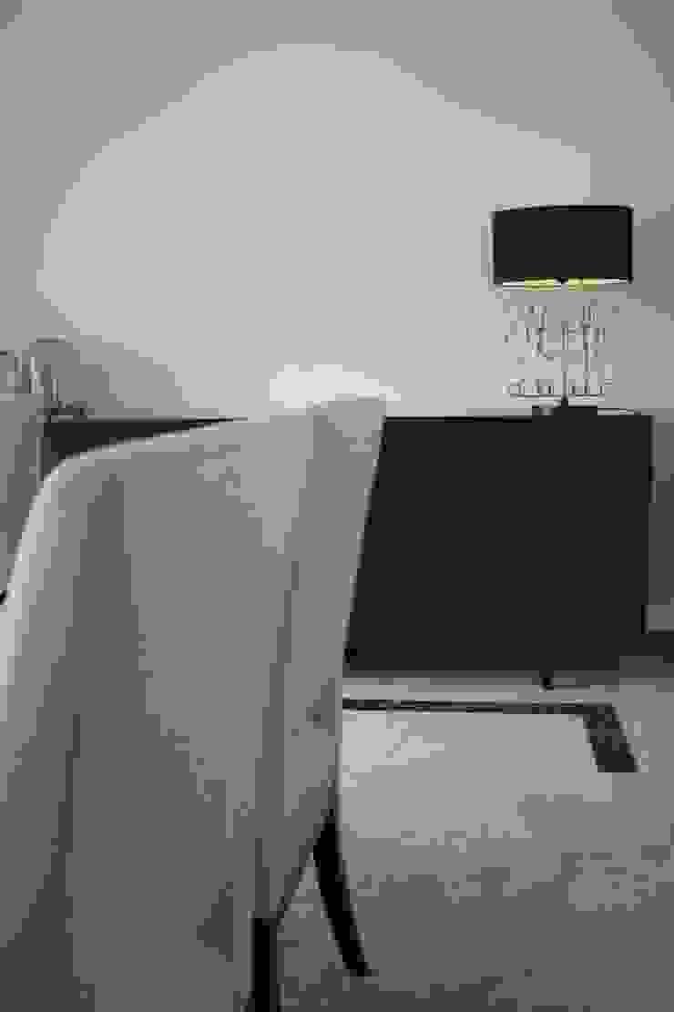 Apartamento Coimbra Salas de jantar modernas por NOZ-MOSCADA INTERIORES Moderno