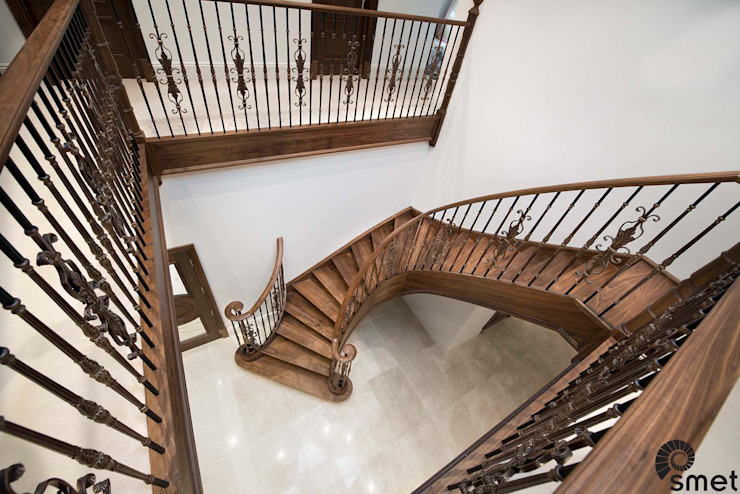 Iver Classic style corridor, hallway and stairs by Smet UK - Staircases Classic