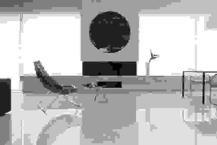 Salon minimaliste par Анна и Станислав Макеевы Minimaliste