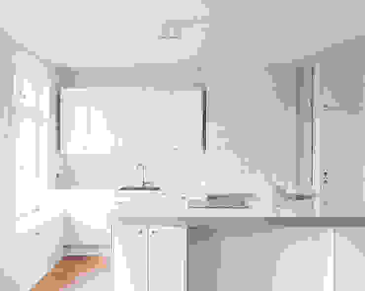 Gisbert Pöppler Architektur Interieur Dapur Modern White