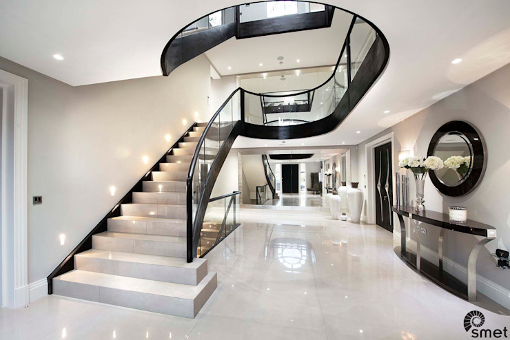 Radlett 現代風玄關、走廊與階梯 根據 Smet UK - Staircases 現代風