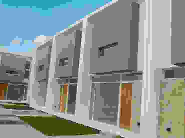 Vista desde Patio Central 02 Casas modernas: Ideas, imágenes y decoración de Poggi Schmit Arquitectura Moderno