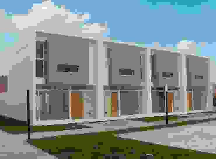 Vista desde Patio Central 03 Casas modernas: Ideas, imágenes y decoración de Poggi Schmit Arquitectura Moderno