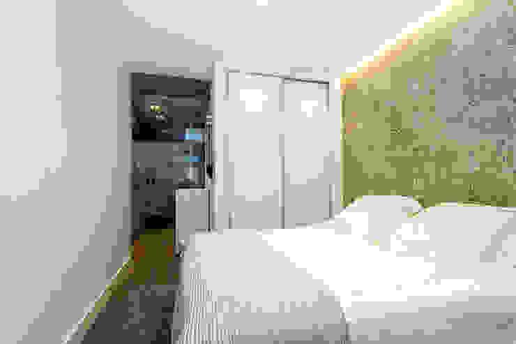 オリジナルスタイルの 寝室 の Taralux Iluminación, S.L. オリジナル