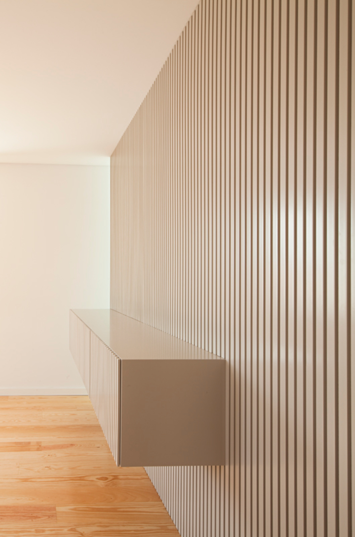obra final - interior Salas de estar minimalistas por Ricardo Caetano de Freitas | arquitecto Minimalista