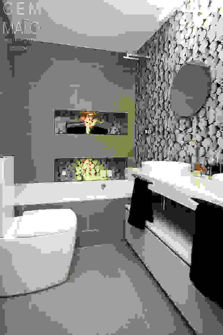 Gemmalo arquitectura interior Modern bathroom Tiles Brown