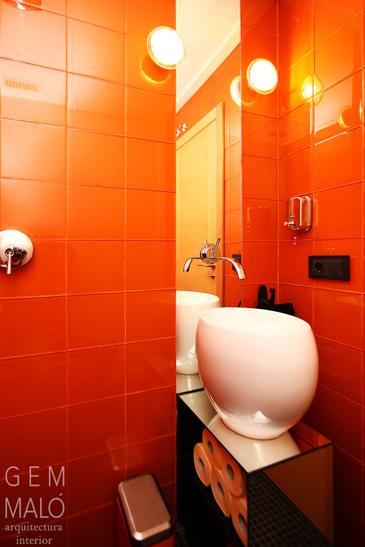 Gemmalo arquitectura interior Modern bathroom Tiles Orange