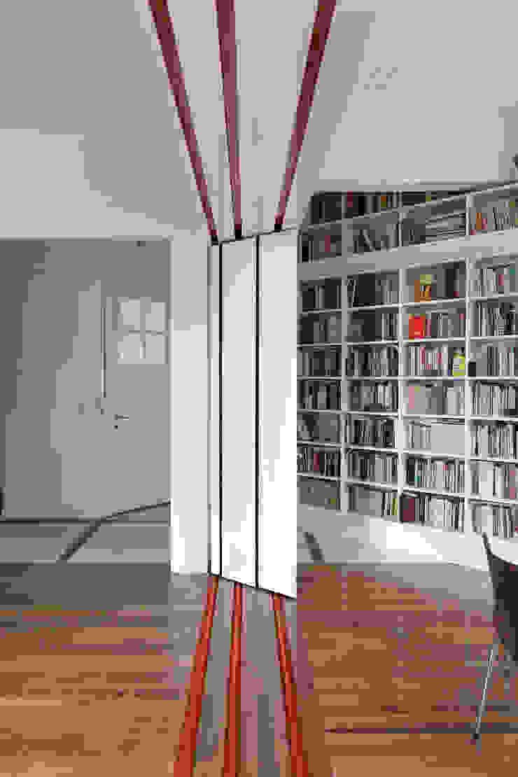 Bereterbide Estudios y oficinas minimalistas de Pop Arq Minimalista
