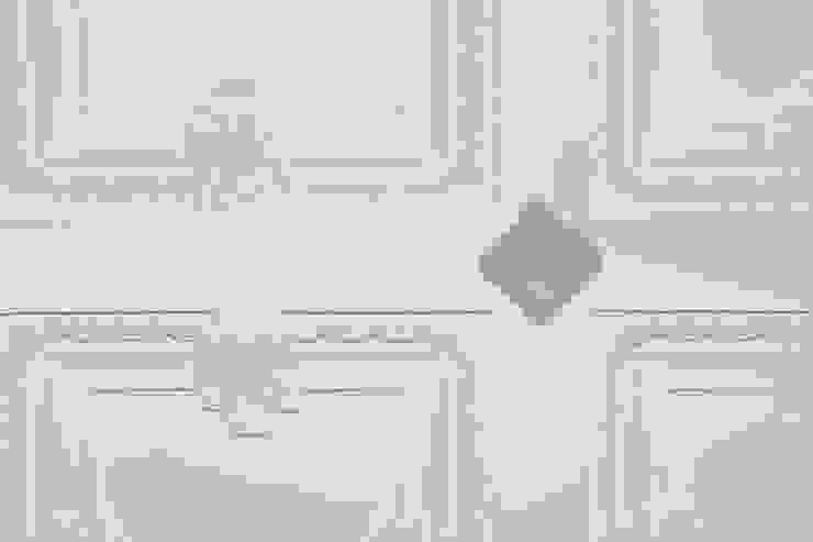 Rehabilitación en Comunidad Propietarios _ Zona Ensanche_Valencia Pasillos, vestíbulos y escaleras de estilo clásico de estudio de interiorismo pilar Gimeno Clásico