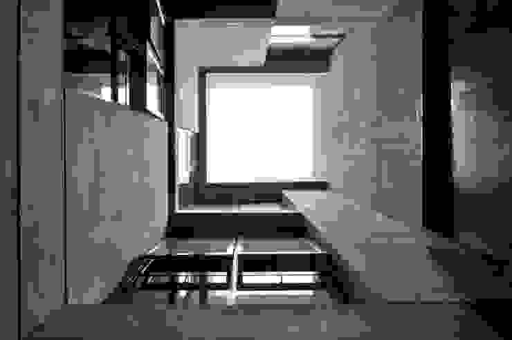 PATIO INTERNO Estudios y despachos modernos de Ramiro Zubeldia Arquitecto Moderno Concreto