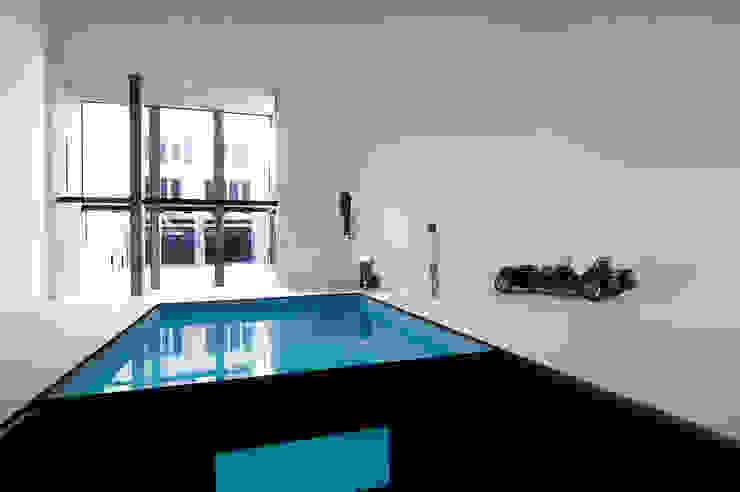 Moderne studeerkamer van Ramiro Zubeldia Arquitecto Modern