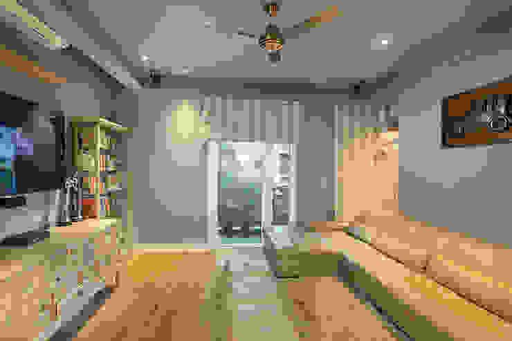 Family Lounge Minimalist media room by groupDCA Minimalist