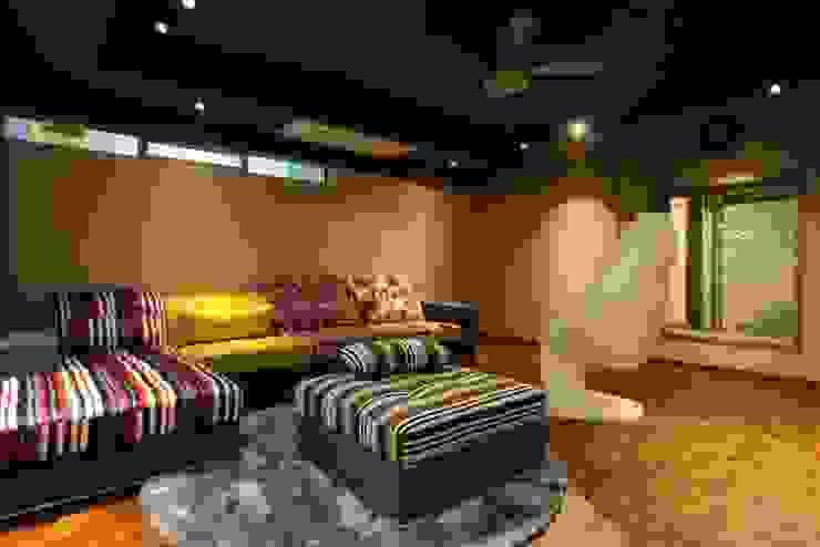 The Den Modern media room by Mind Studio Modern Wood Wood effect