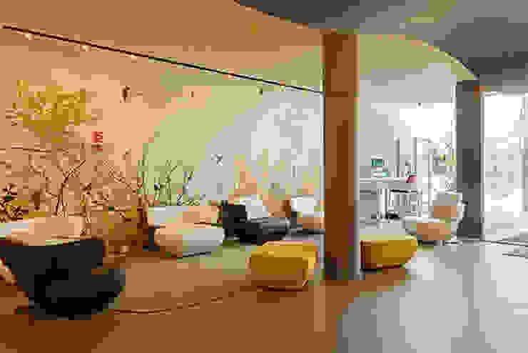 Entrada Novotel Salas de estar modernas por Inexistencia Lda Moderno