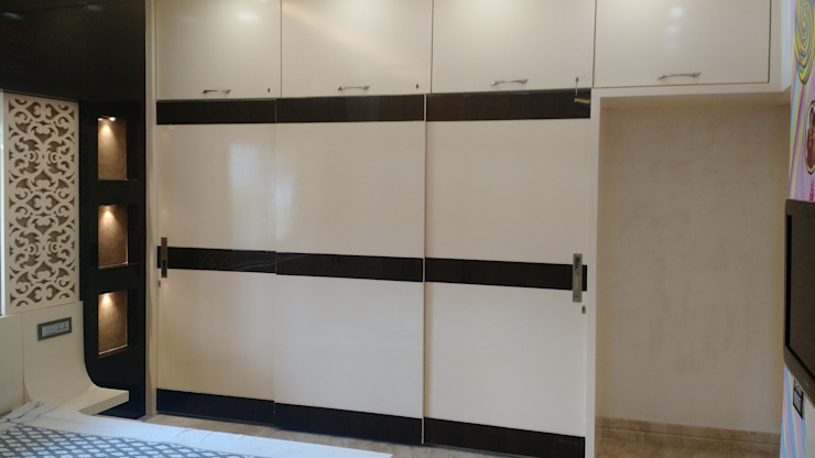 Modern Slider Wardrobe: modern  by Artinsive Interiors Pvt Ltd,Modern Plywood