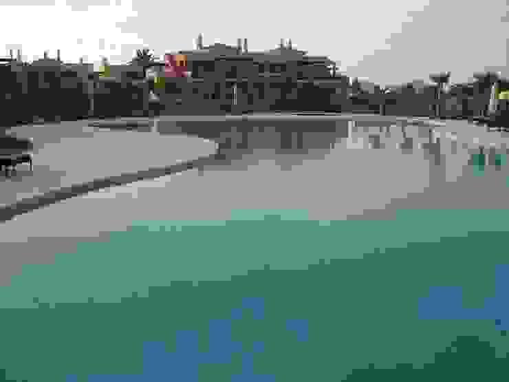 Construção de piscina Piscinas mediterrânicas por Dreampool Mediterrânico