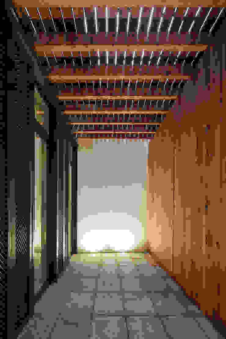 Casa das Gelosias Varandas, marquises e terraços ecléticos por Marta Campos - Arquitectura, Reabilitação e Eficiência Energética Eclético
