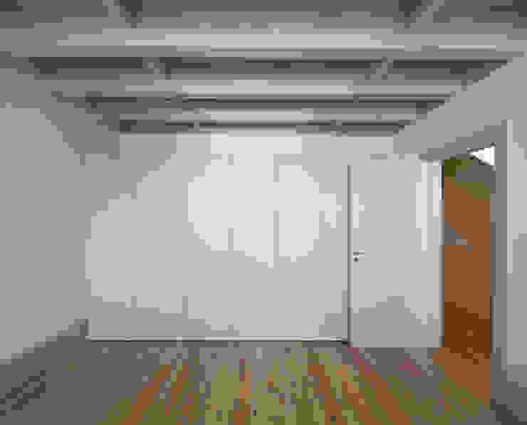 Casa das Gelosias Quartos ecléticos por Marta Campos - Arquitectura, Reabilitação e Eficiência Energética Eclético
