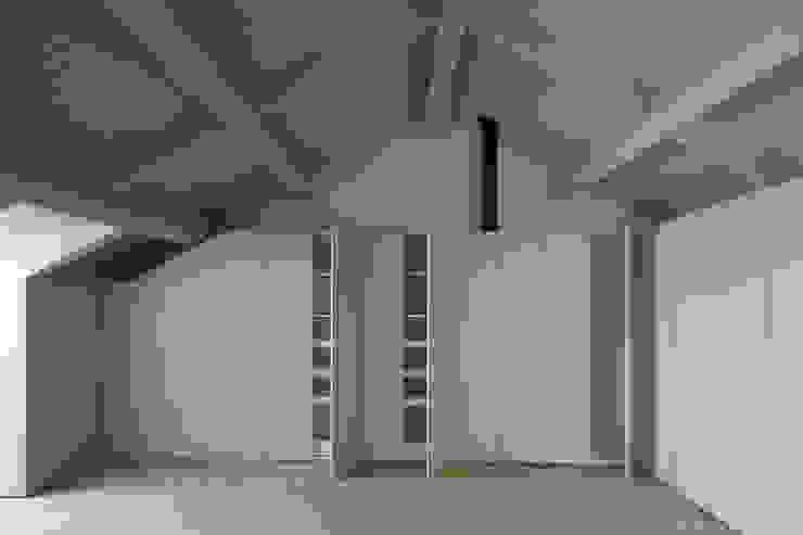 Casa das Gelosias Closets ecléticos por Marta Campos - Arquitectura, Reabilitação e Eficiência Energética Eclético