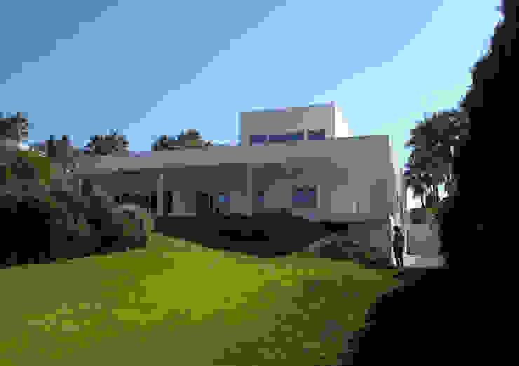 house RT-sotogrande Casas de estilo minimalista de N+A ARQUITECTOS Minimalista