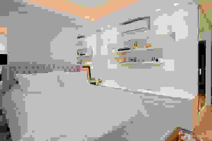 Priscila Koch Arquitetura + Interiores Classic style bedroom