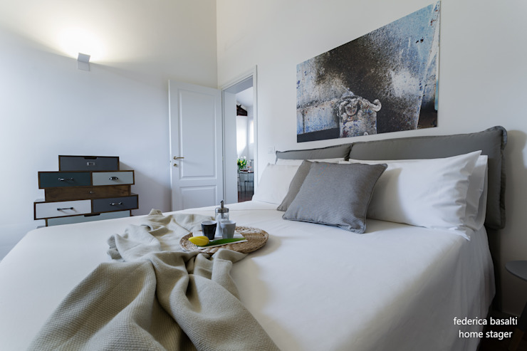 Habitaciones de estilo  por federica basalti home staging, Moderno